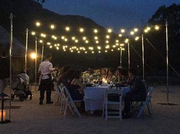 Festoon-Lighting-over-table-Emirates-Wolgan-Valley